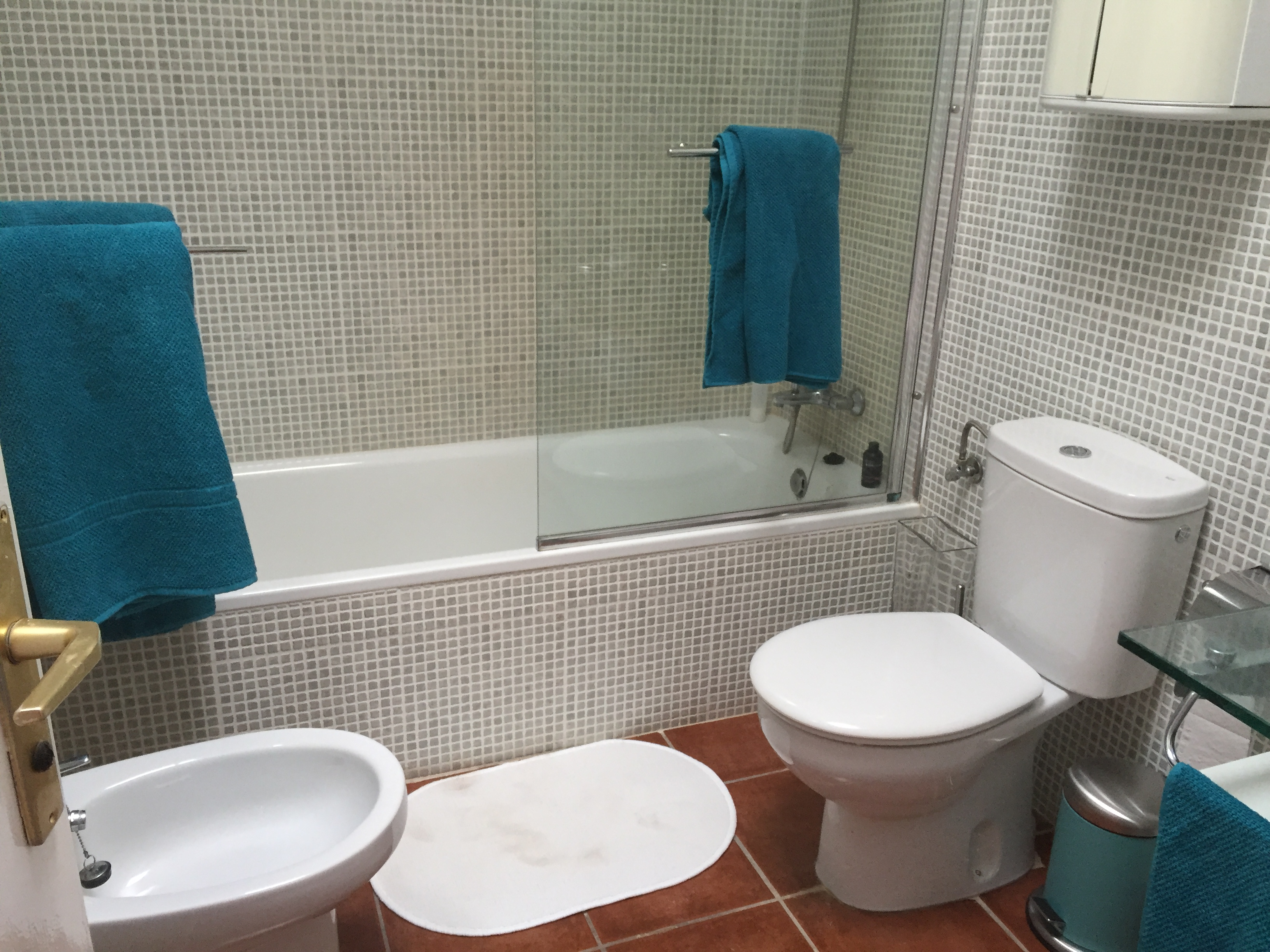 Bathroom tiler - Recommended Tradesmen and Companies in Tias - Tias ...